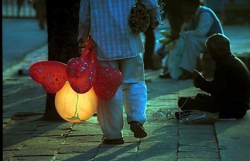 the baloon seller