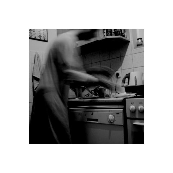 kitchen ghost (scratchin n mixin tea;)