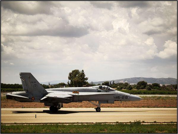 ef-18A taxiing