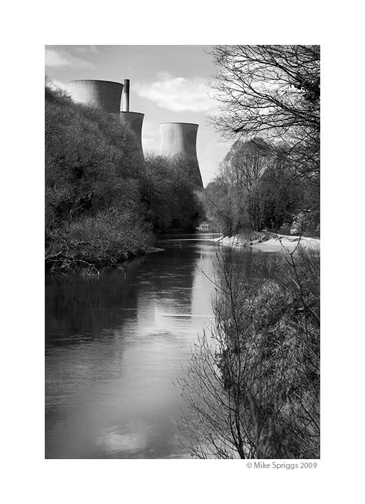 Ironbrige Power Station - River Severn
