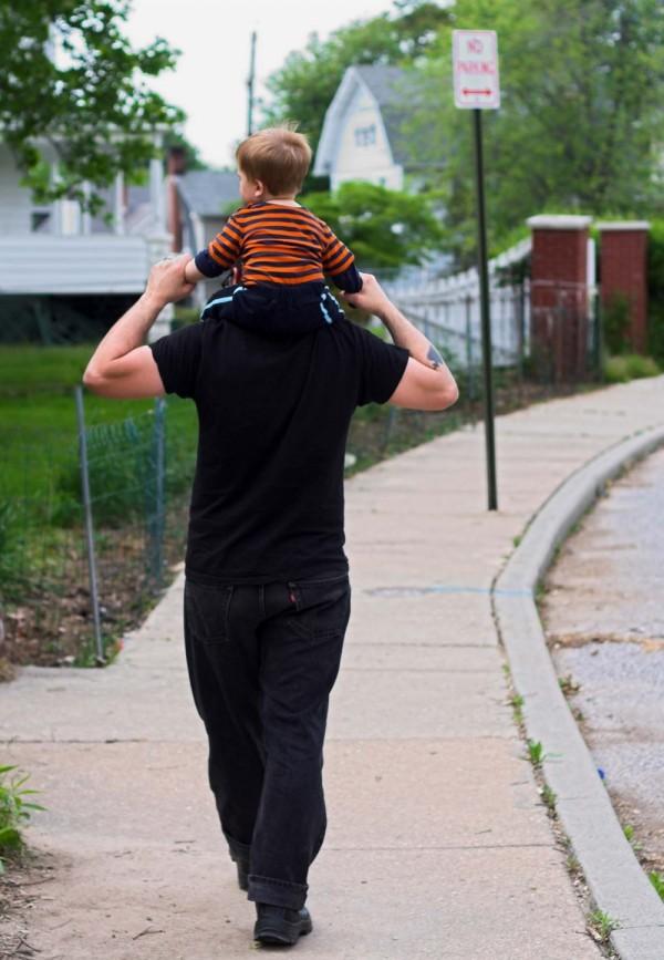 dad baby on shoulders