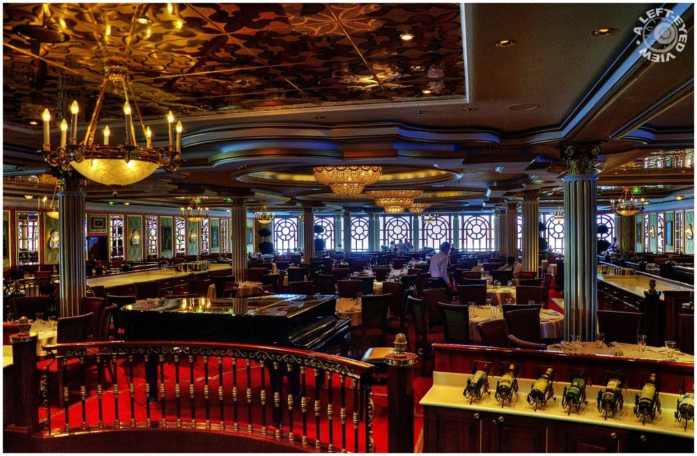 """""""Versailles Restaurant"""""""