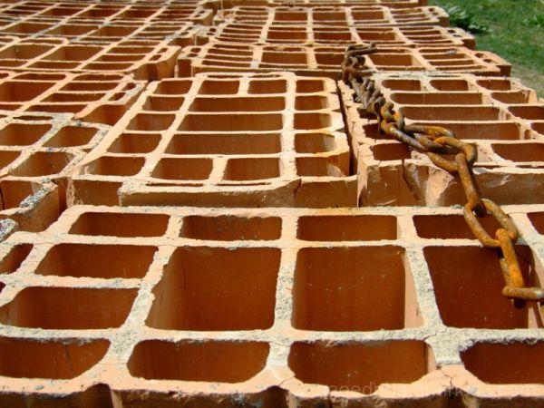 Bricks & Chain