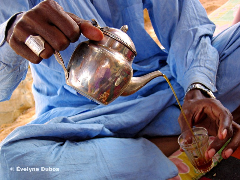Rituel du thé au Niger