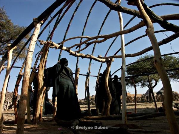 Construction d'une case touareg