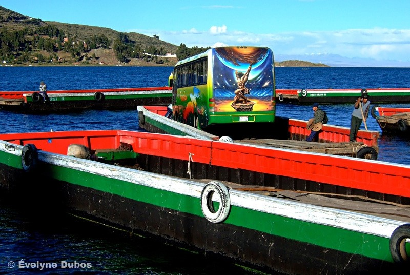 From a shore to another one. (Titicaca-Bolivia)
