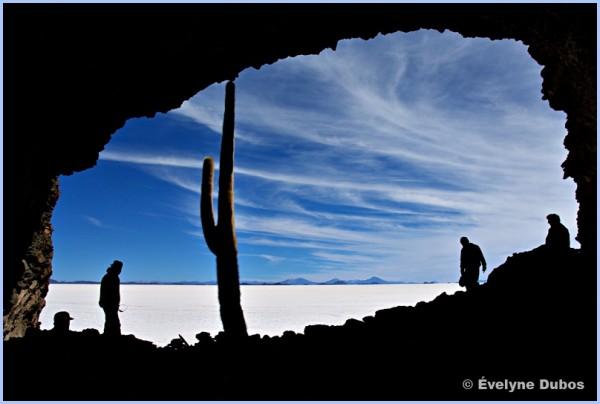 The cave (Uyuni salar - Bolivia)