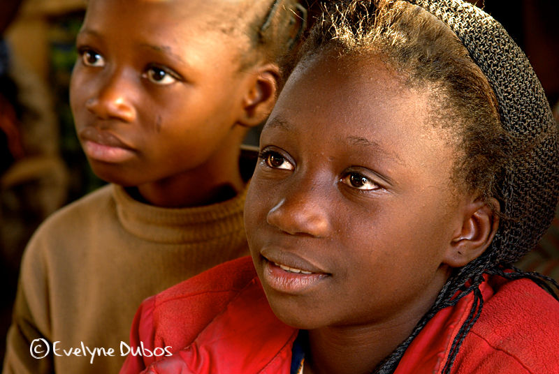 Double look.... (Burkina Faso)