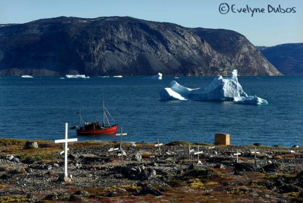 Rest in peace, in front of the sea... -Greenland-