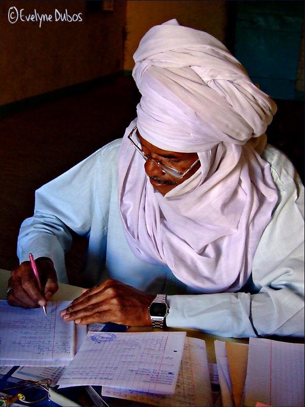 Le maître d'école.  (Niger)
