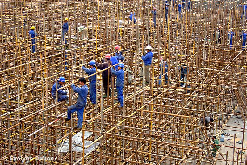 Men at work - 2 -  (China)
