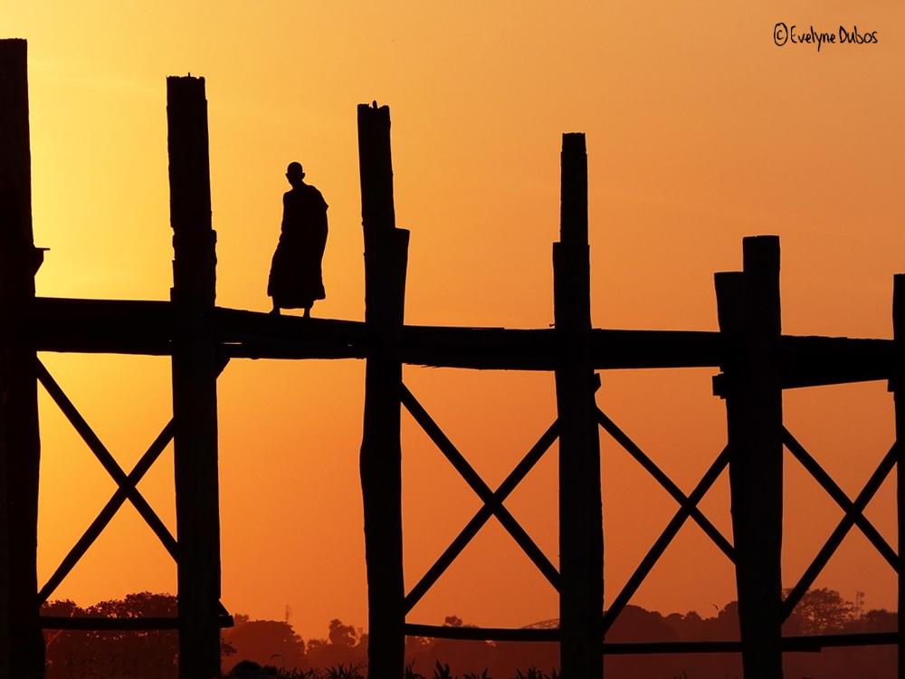 Le moine du pont U-Bein