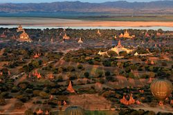 Vol au dessus de Bagan (3)