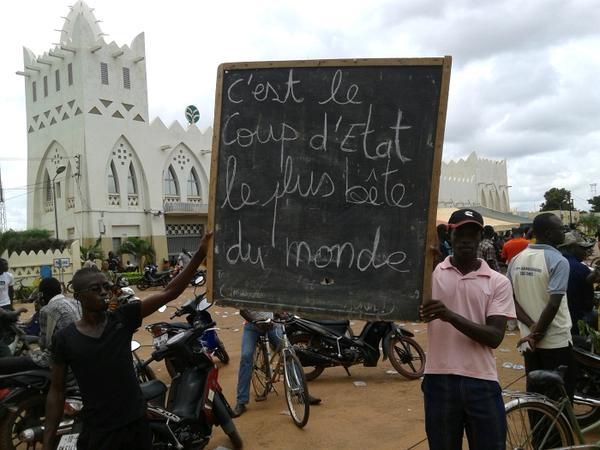 Solidaridé avec le peuple burkinabé...