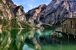Dolomites : lac de Braies