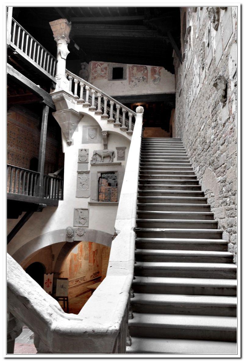Su per le scale