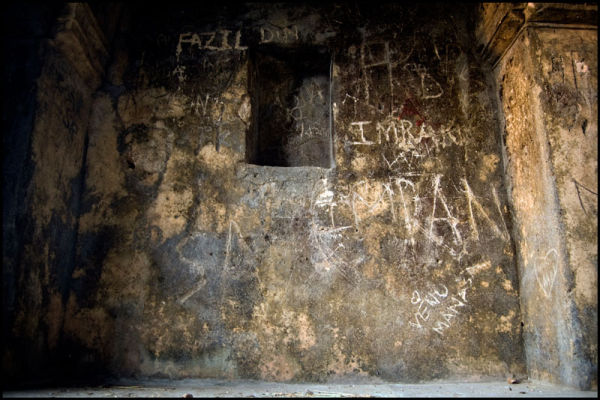 Graffiti in the Qutb shahi Tombs