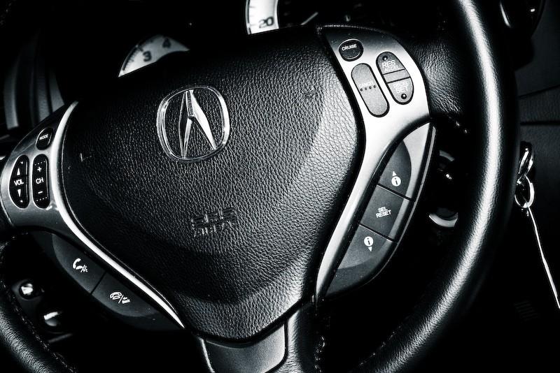 steering wheel and TL