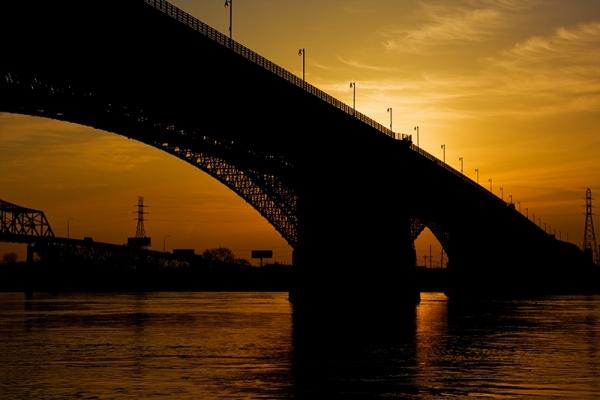 Daybreak over the Mississippi River