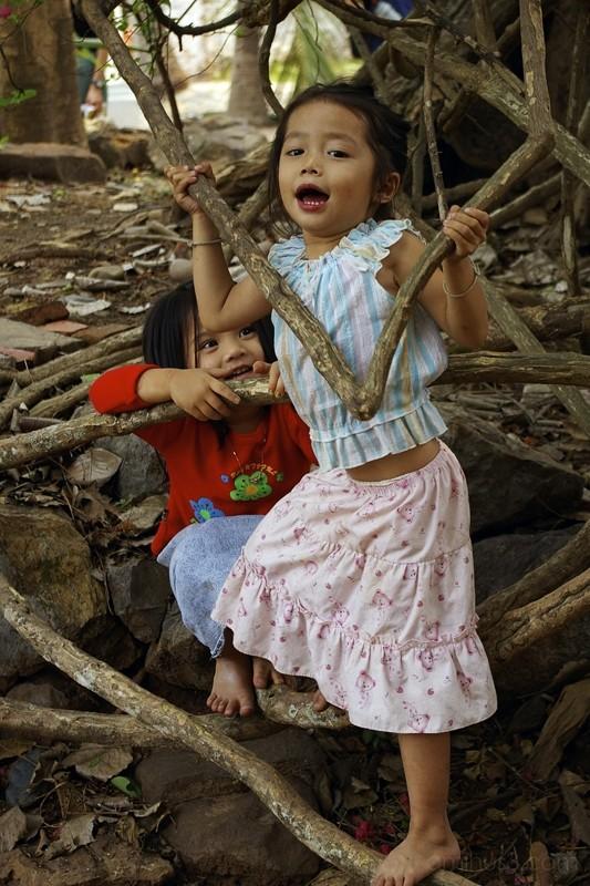 Children of Laos 4