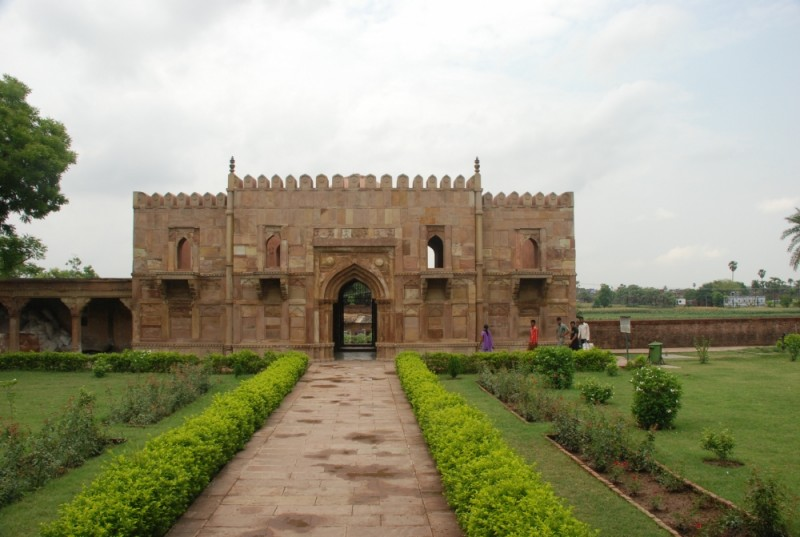 Sufi shrine