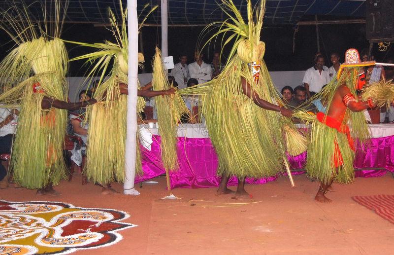 Kannur- Theyyam Dancers-1