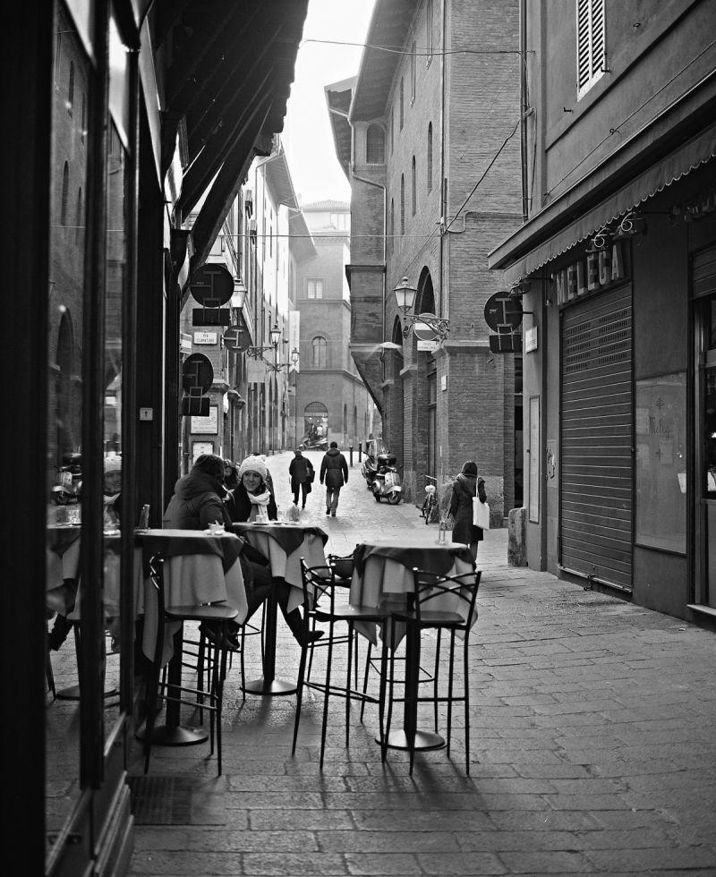 Bologna B&W