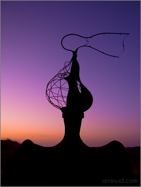 Esperanza, Statue of Steel