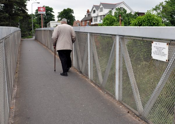 ... this footbridge is not dedicated to the public