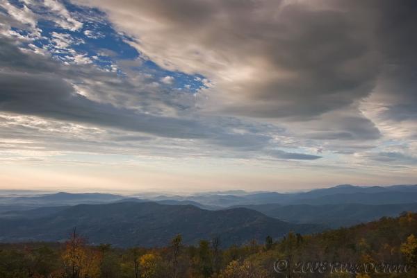 Mountain vista atop Shenandoah National Park