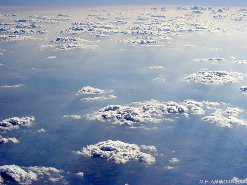Le soleil sur les nuages