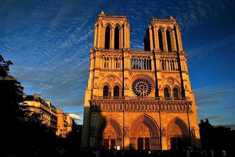 Notre-Dame de Paris au couchant