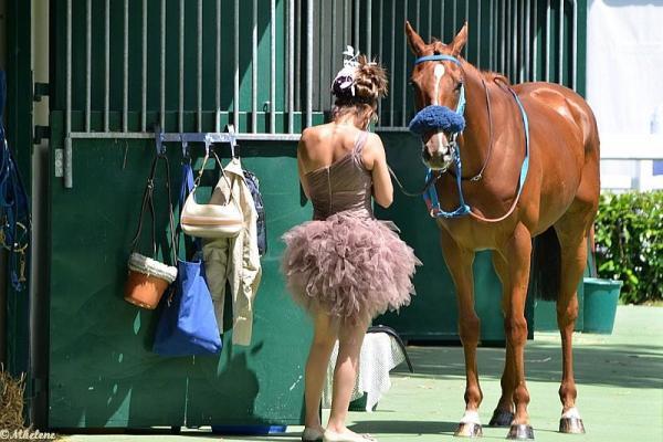 Avec son cheval avant la course