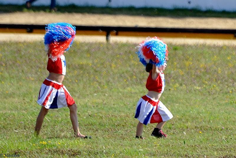 pom-pom mini girls