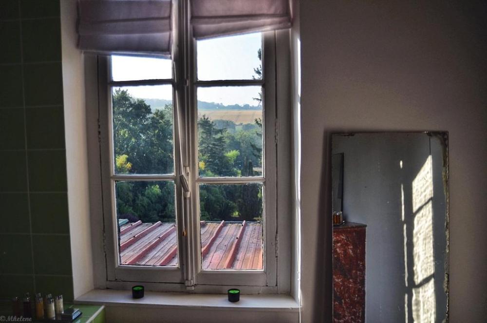Par la fenêtre 6