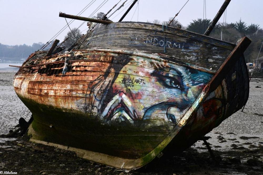 Au cimetière de bateaux 2