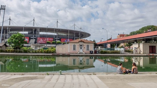 L'autre côté du Stade de France
