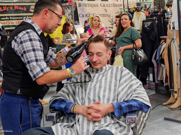 Le barbier au séchoir