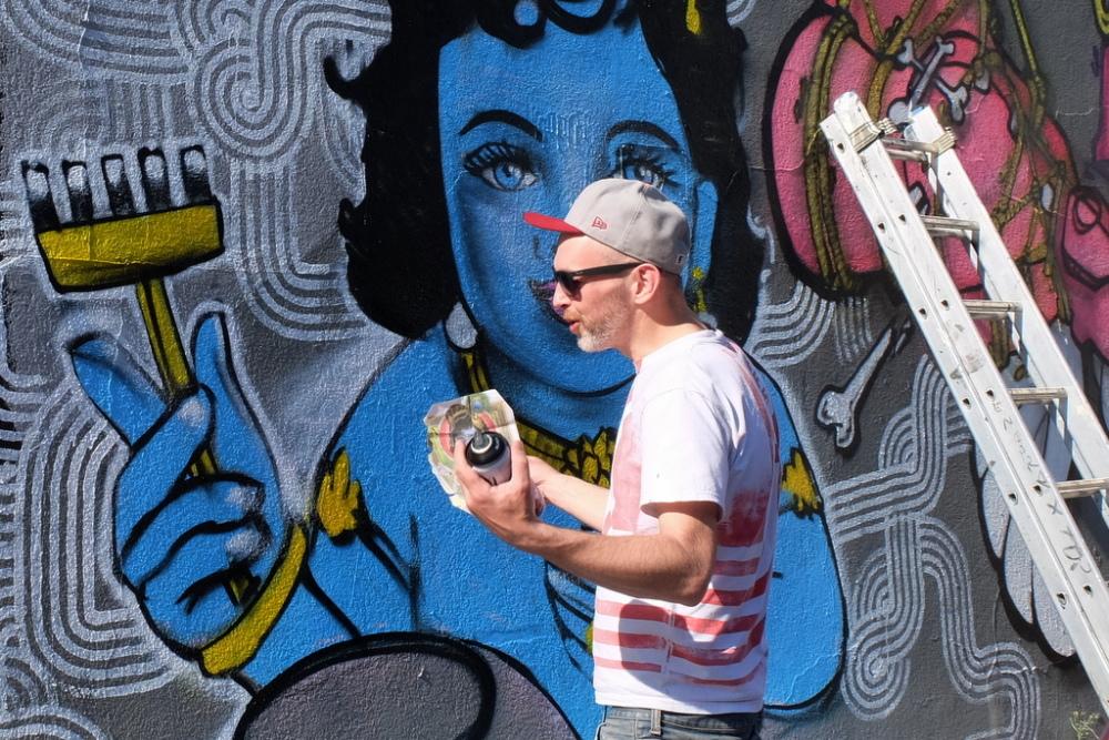 Street-artist Artof Popof