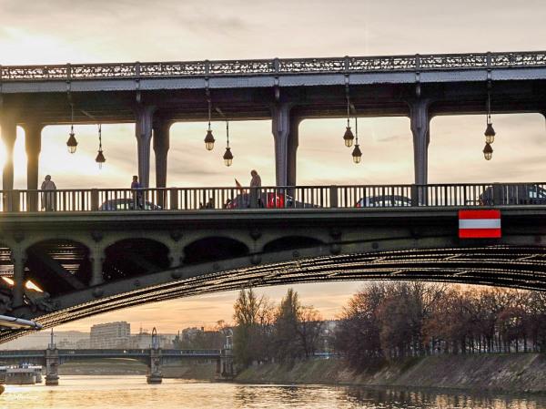Au pont de Bir-Hakeim -2