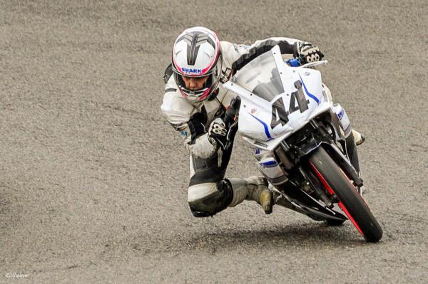 Les motos en course -1