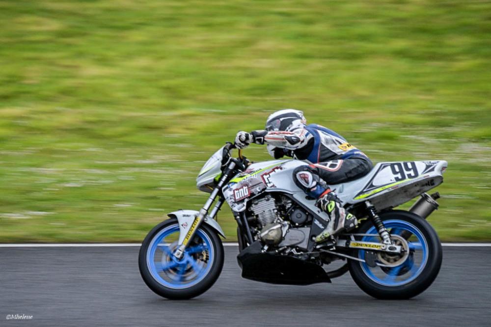 Les motos en course -2