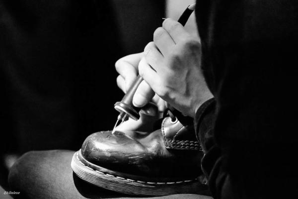 On tatoue bien les chaussures