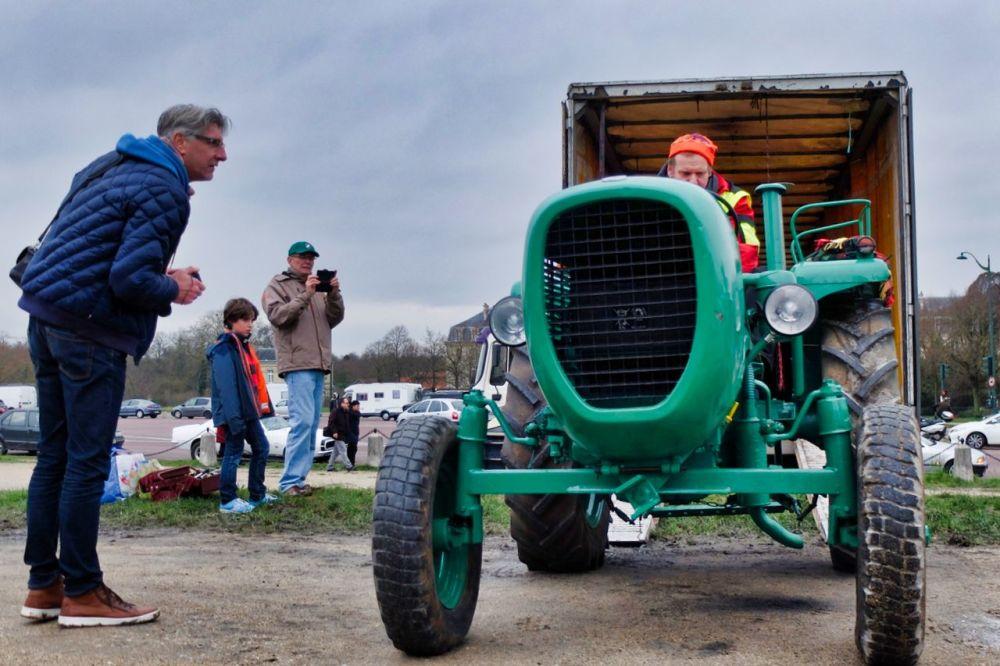 Un tracteur dans la remorque -3