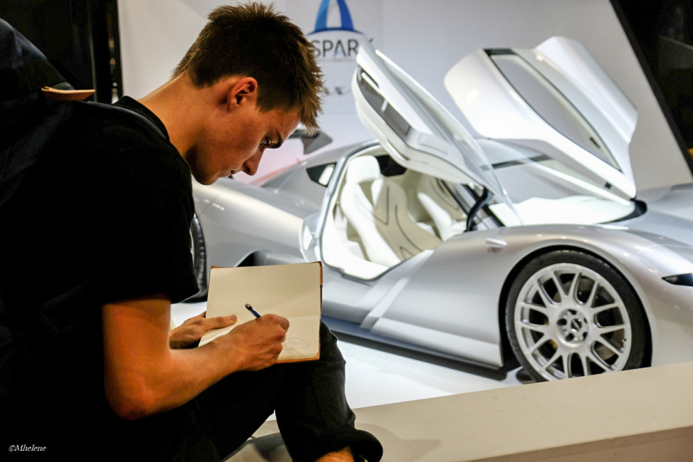 Au Mondial de l'Auto