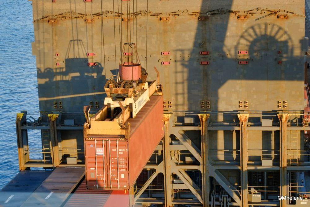 A bord d'un cargo -10