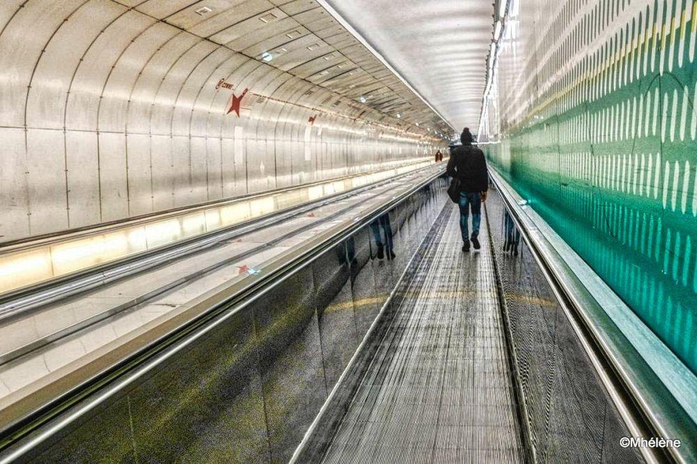 Dans les couloirs du métro