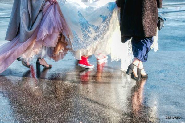 Les baskets rouges de la mariée