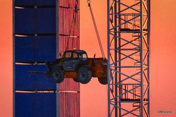 Le chantier au coucher du soleil -2
