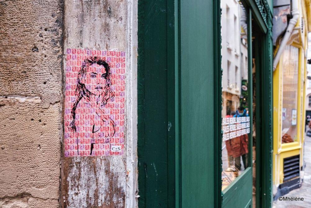 La fille timbre-poste